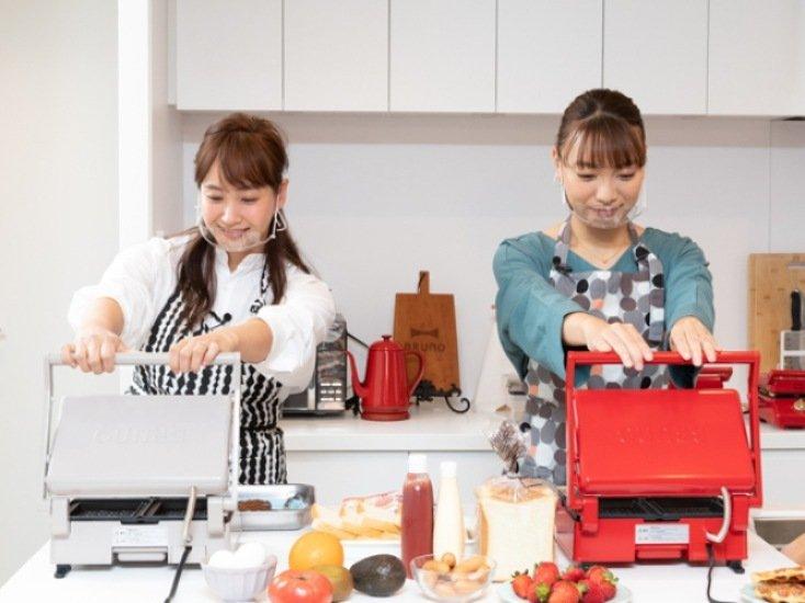 タレントが料理をする様子.jpg